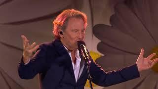 Tomas Ledin avslutar allsångsåret med medley - Lotta på Liseberg (TV4)