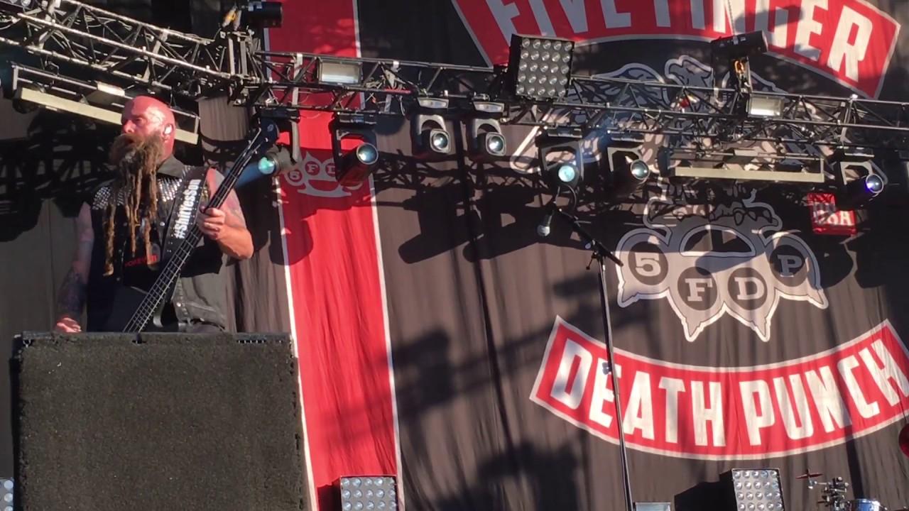Five Finger Punch Download Festival Paris Le
