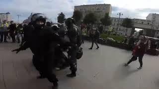 Задержание Павла Устинова на митинге в Москве 3 августа