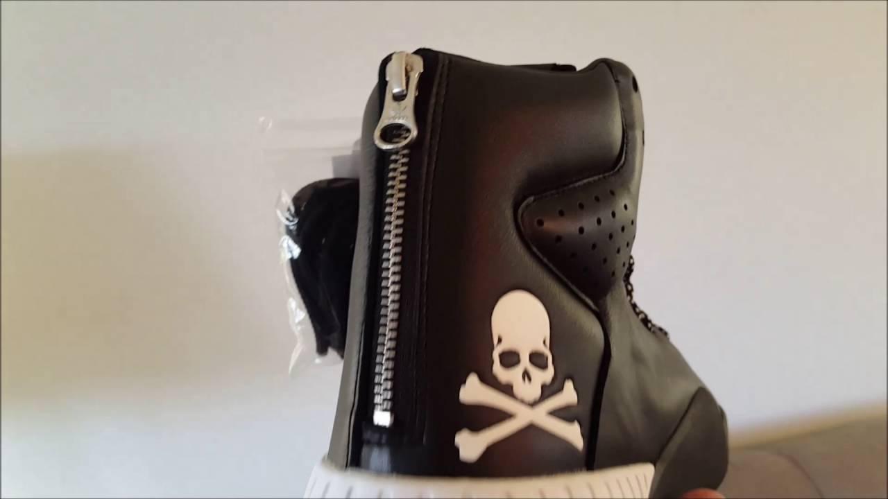 Adidas x Uomote giappone tubolari in mano (2016) su youtube