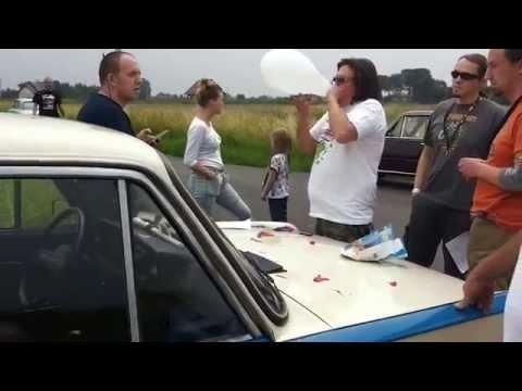 Wojcio z kantYny dmucha w balonik - NH Zlot 2015