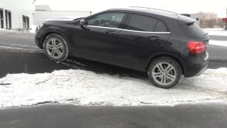 2015 Mercedes-Benz GLA 250 4Matic diagonal test on ice and snow Video
