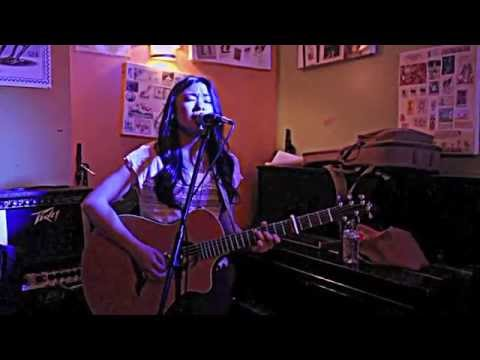 Martina San Diego - Magic by Coldplay (Acoustic cover)