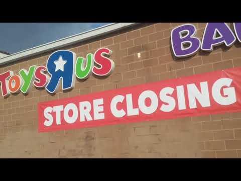 Toys R Us Closing Cedar Rapids Walk Around