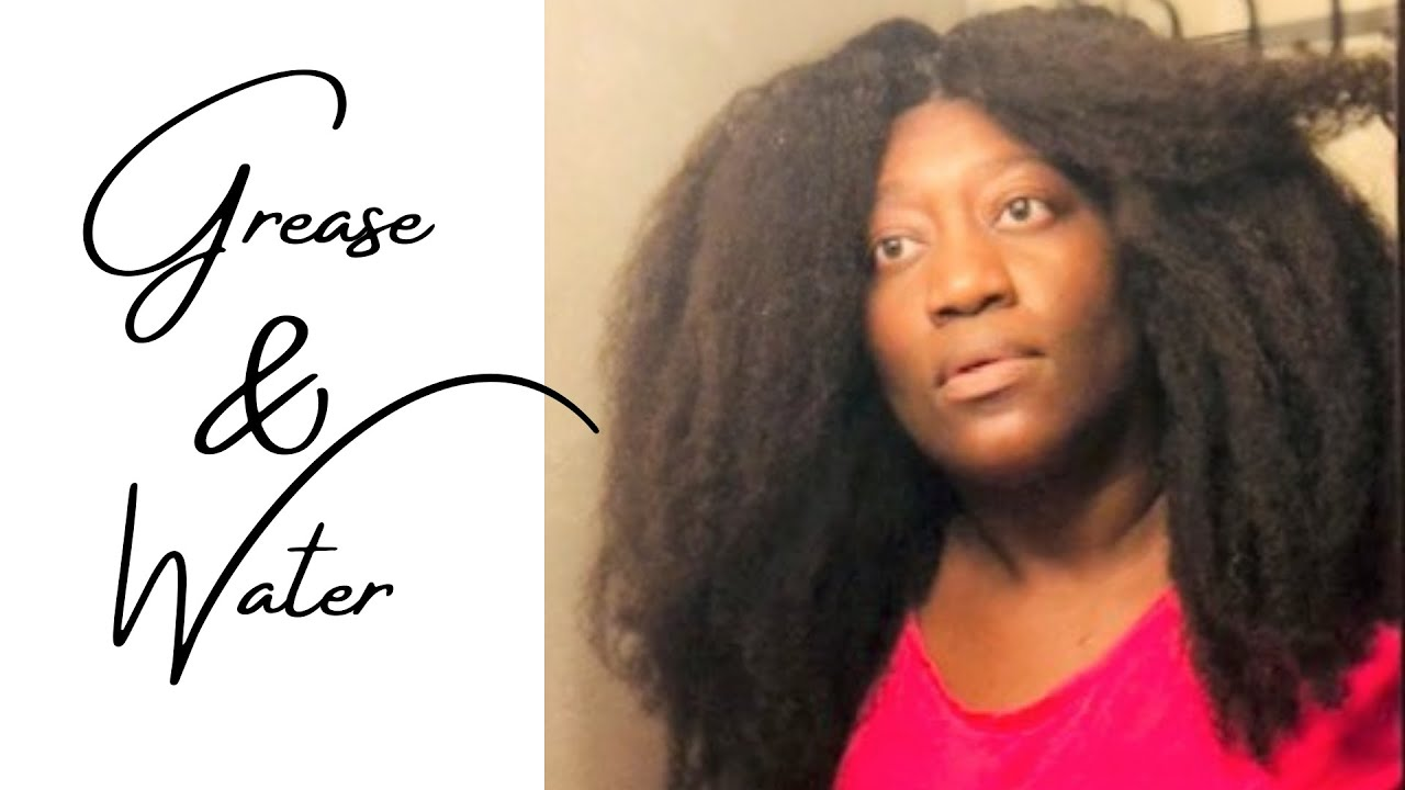 I use BLUE MAGIC GREASE to EXFOLIATE & DEEP CLEANSE my DRY ITCHY scalp for FAST natural hair growth!