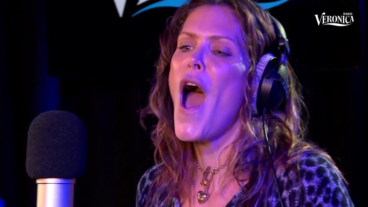 Beth Hart Fire On The Floor Live Bij Giel Radio Veronica Youtube
