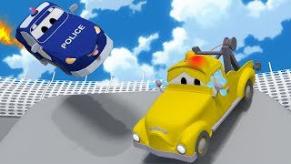 Baby Tom gets hurt pretty bad! - Amber the Ambulance in Car City l Cartoons for Children
