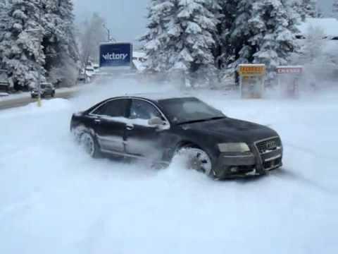 Audi A8 snow drift