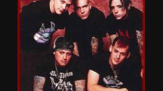 Watch Good Charlotte Let Me Go video