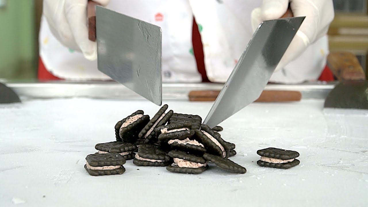 Black Biscuit Strawbery cream Ice Cream Rolls