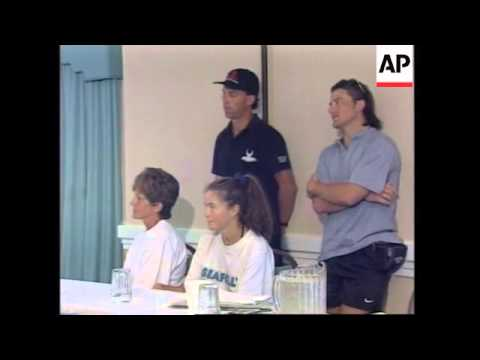 USA: AUSTRALIAN WHO SWAM FROM CUBA TO FLORIDA PRESS CONFERENCE