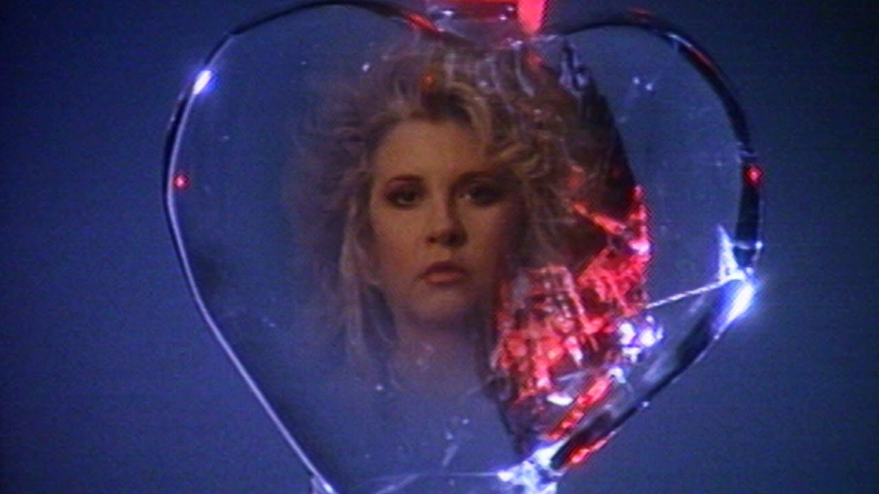 Download Stevie Nicks - Rooms On Fire (Official Music Video)