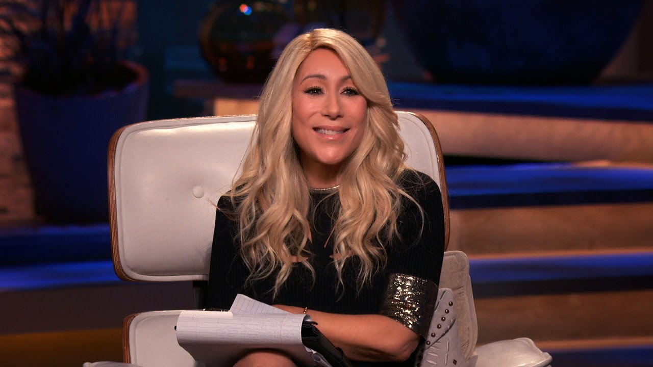 Download A Passionate Lori Greiner Makes a Quick Deal on Nightcap - Shark Tank