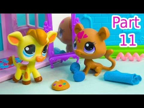 LPS Try The Cookie - Kream's Ice Creamery Littlest Pet Shop Part 11 Bakery Video Series Cookieswirlc