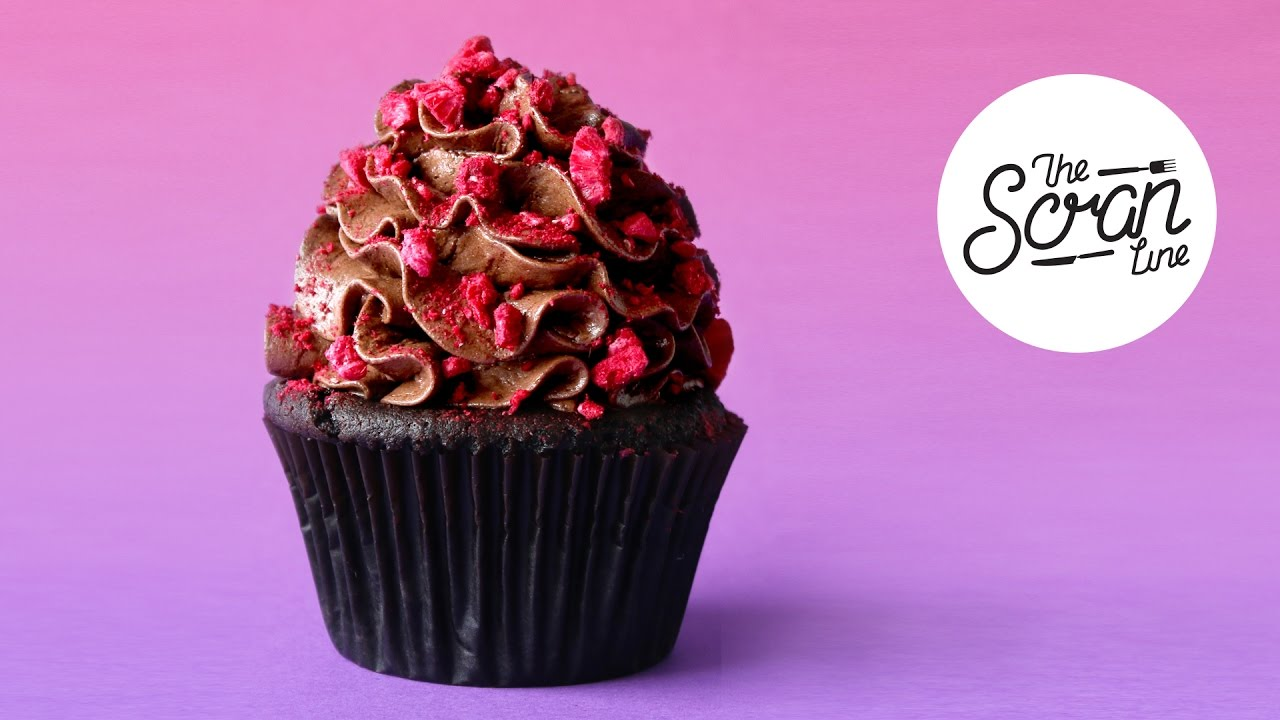 VEGAN CHOCOLATE RASPBERRY CUPCAKES - The Scran Line
