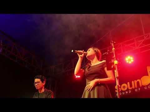 Kasih Putih - glenn fredly ( Live perform by Della firdatia )