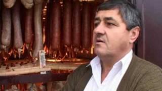Repeat youtube video Dusko Medvedj,prerada mesa.