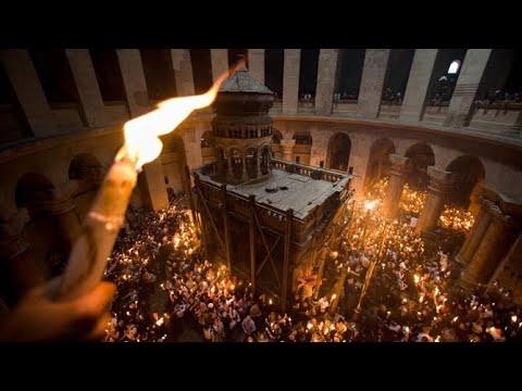 В Армении и за пределами Армении армяне празднуют Пасху 4 апреля.