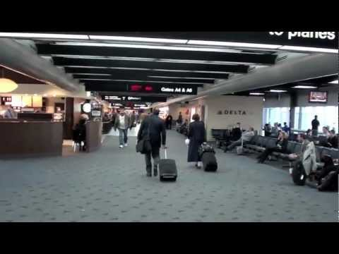 A Concourse @ Lambert St. Louis Airport STL with Jetway