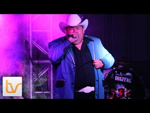 Download Qué Casualidad - El Coyote Y Su Banda Tierra Santa (en vivo)