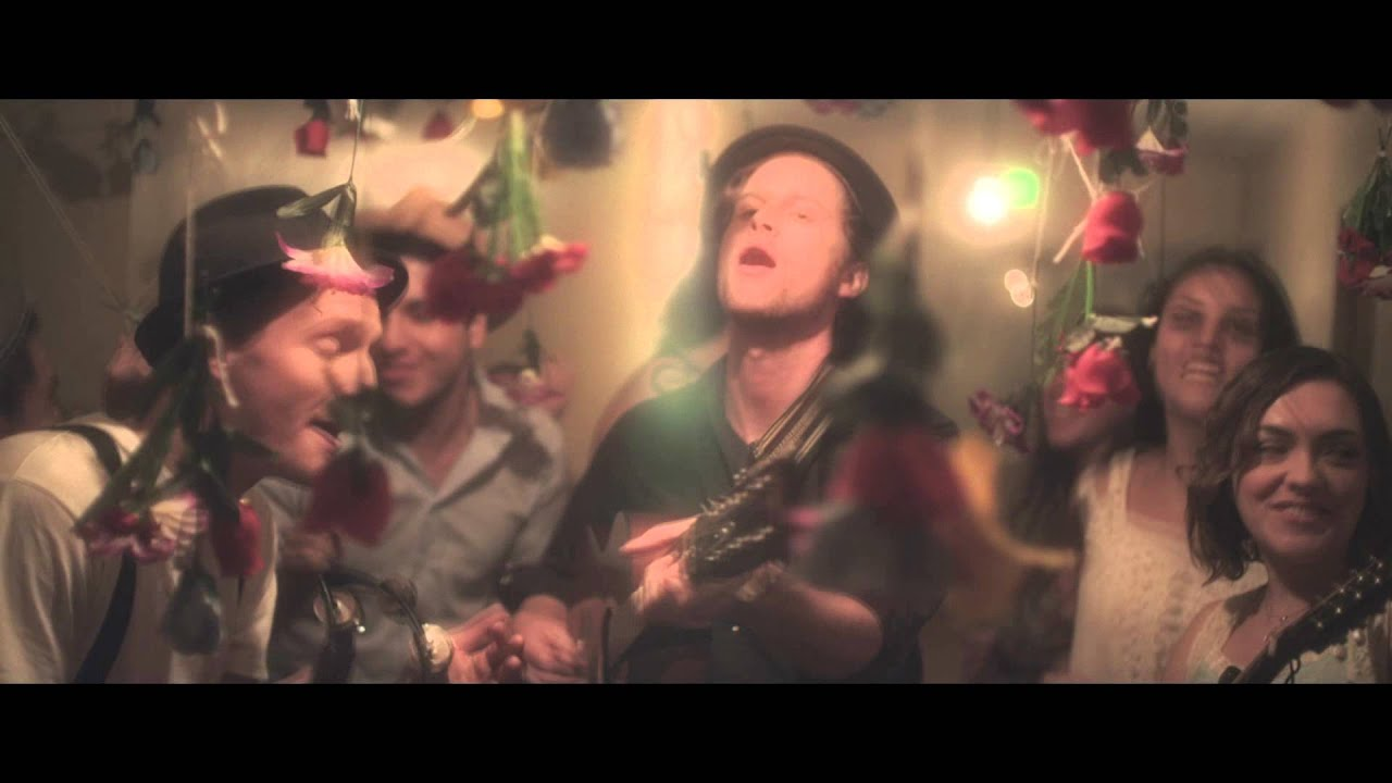 the-lumineers-ho-hey-official-video-dualtone