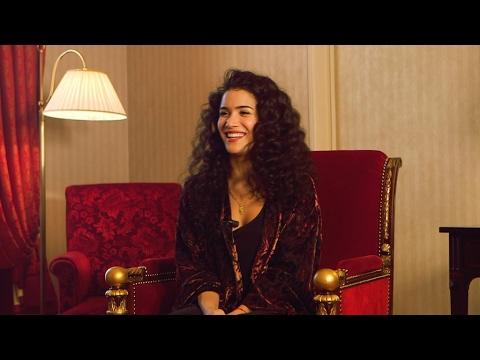 Sabrina Ouazani, le cinéma avec le sourire