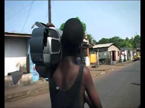 Manu Chao - Politik Kills (official video)