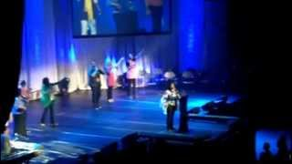 CeCe Winans & Nia Allen worshiping at ASFB 2012