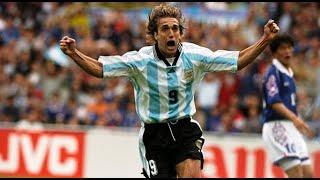 Estrellas de los mundiales: Gabriel Omar Batistuta, el genio del área argentino