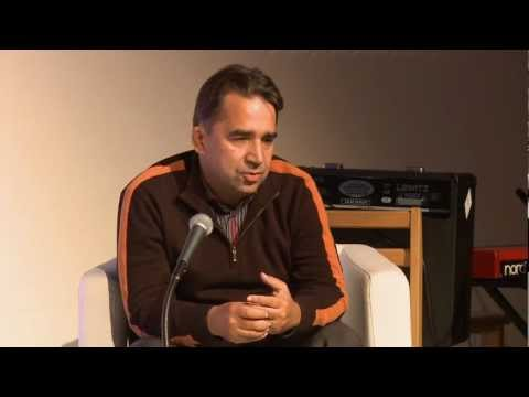 Športový komentátor Alfons Juck v UPeCe Bratislava. 12. nov. 2012