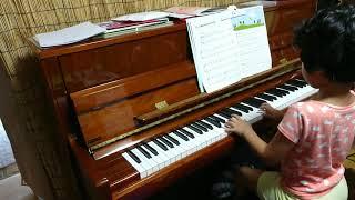 みーちゃん、ピアノ歴11ヶ月め。 サウンドツリー3Aから『小鳥のゆうびん...