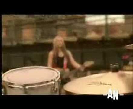 Avril Lavigne - How Does It Feel
