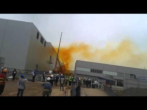 Rò rỉ hóa chất trong xưởng Metal