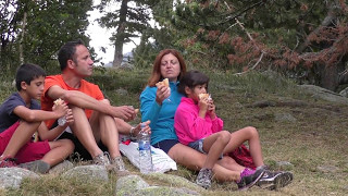 SAN MAURICI LAKE Nou Camping