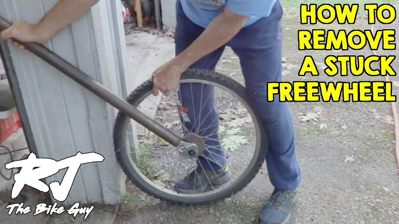 Simple Trick To Remove Stuck Freewheel From A Bike Wheel Youtube