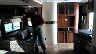 2012 Crossroads Zinger 32QB Travel Trailer