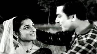 Do Nain Mile Do Phool Khile - Asha Bhosle, Mahendra Kapoor, Ghunghat Song