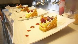 crème de yuzu basilic, sorbet et coulis framboise-poivron