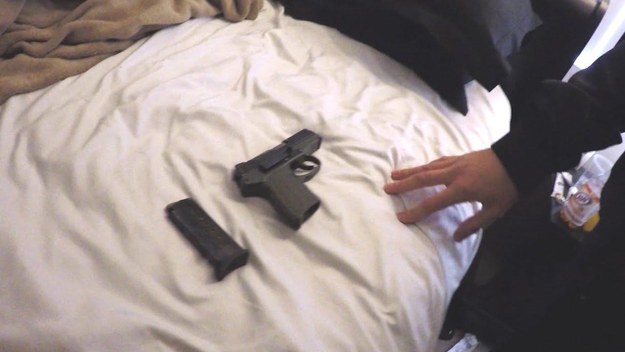 EXPERIMENT SOCIAL - Ai cumpara un pistol ilegal ... de la o persoană oarecare?