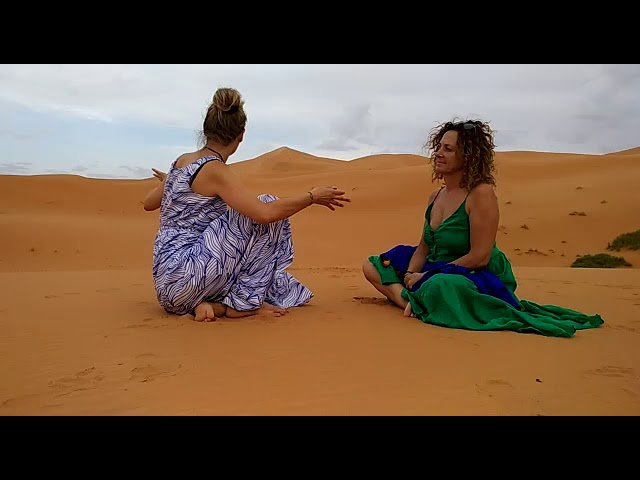 Yoga Sahara Desert Morocco - Porque Aqui - Why here - Dlaczego tutaj - Wieso hier
