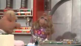 Schweine im Weltall - Die ersten Schweine auf Koozebane.wmv