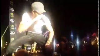 Girl Throws Her Bra at Enrique At Sex And Love Sri Lanka Live Show 2