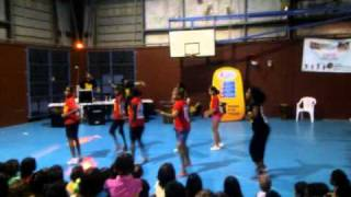 Woorabinda girls Hndigenous Hip Hopping