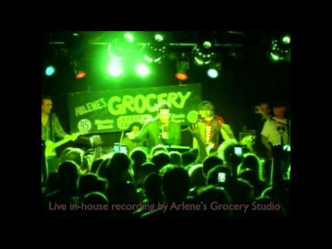 Jim Carrey Covers Bullets With Butterfly Wings at Arlene's Grocery - The Real Video