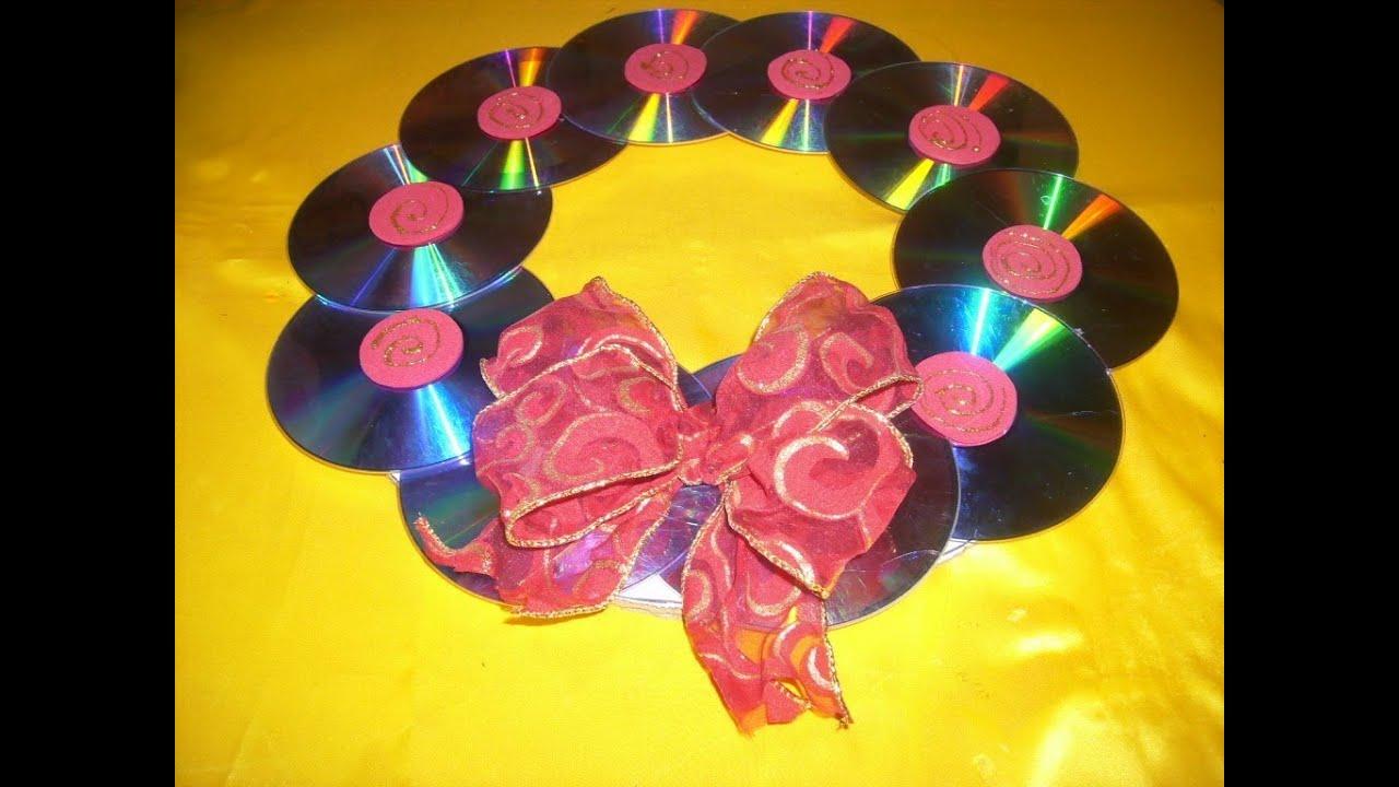 Corona navide a con cd s reciclaje youtube - Decoracion navidena para ninos ...