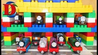Поезда для детей - игрушки паровозик Томас и его друзья. Игрушечная железная дорога. Thomas train