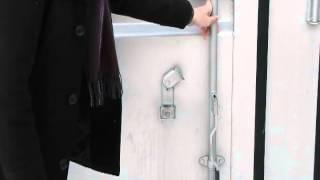 「トランクルーム」マイスペース保谷郵便局にて撮影