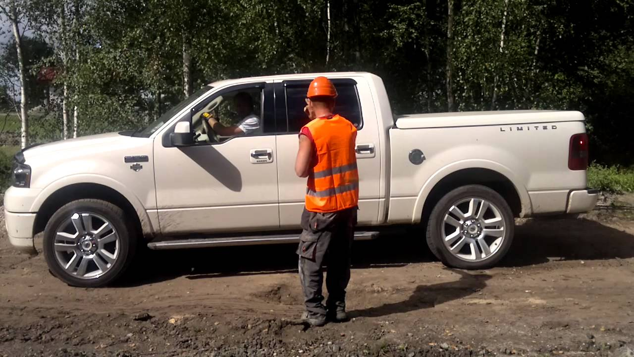 Ford f 150 limited pulls lorry truck out of trouble dominik