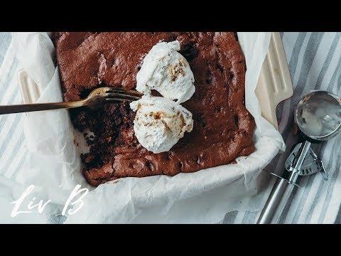 Almond Butter Fudge Brownies (vegan)