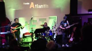 Banda atlantis Shine On You Crazy Diamon live jet set
